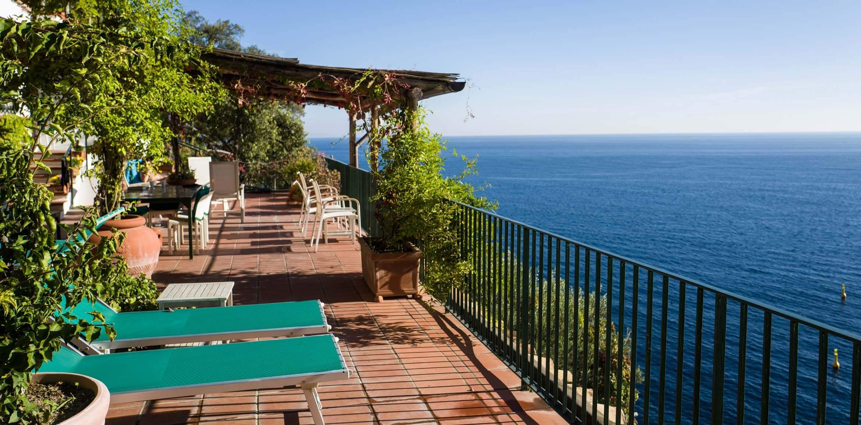 Sl main terrace to east villa la madonnina at the amalfi for 1 the terrace