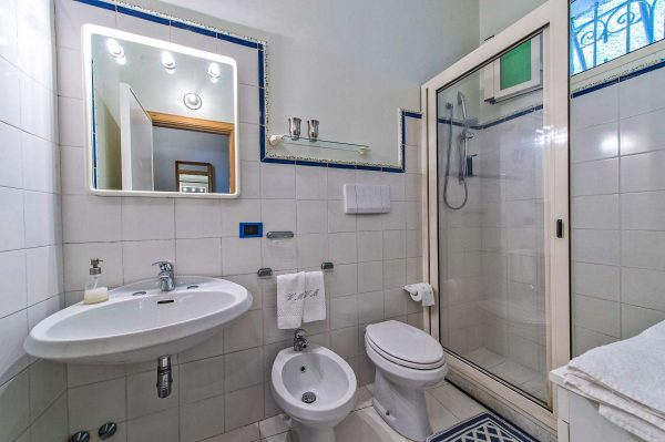 inside bathroom Seagull