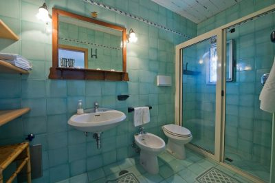 inside bathroom Dolfin